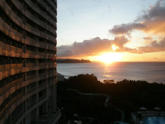 Hotel Nikko Guam: 日の入り