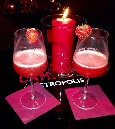 Cafe Metropolis: Atmosfera suggestiva, ideale per appuntamenti romantici