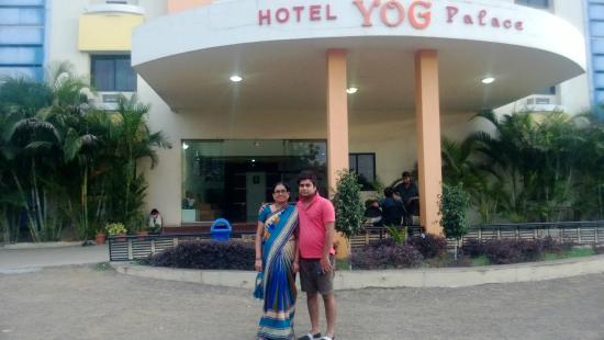 Hotel Yog Palace : Outside View of the hotel