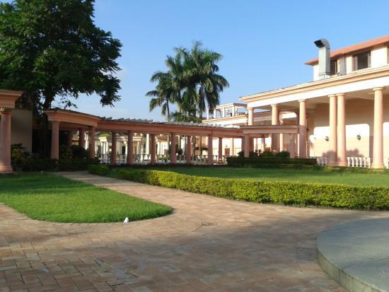 Fortune Park Panchwati Hotel: Backside
