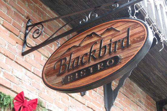 Blackbird Bistro: Sign outside the place