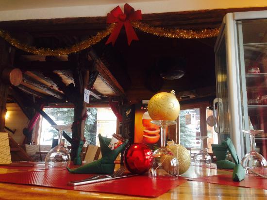 L'Equipe du restaurant le Chaudron vous souhaite de bonne fetes de fin dannée!