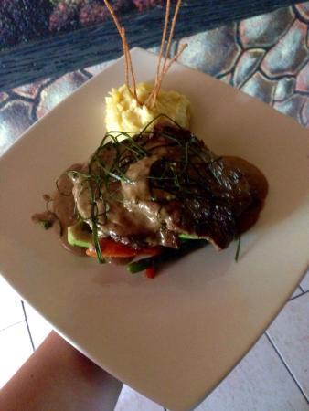 Restaurante especialidad en carnes: Delicioso lomito