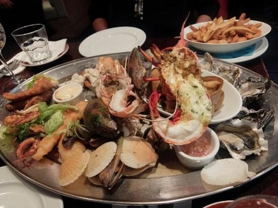 Fishbone Bar & Grill : Delicious and value worth seafood platter in Queenstown!!!