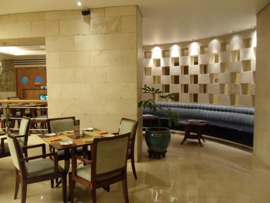Hotel Borobudur Jakarta Bogor Cafe