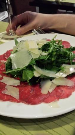 TOWERS Steak & Salad: beef cappacio