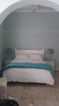 Whale Coast Lodge: bedroom in the cottage