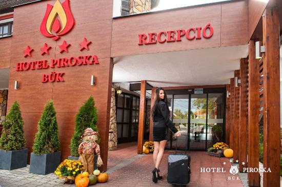 Hotel Piroska: bejárat