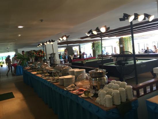 Woraburi Phuket Resort & Spa : Обед