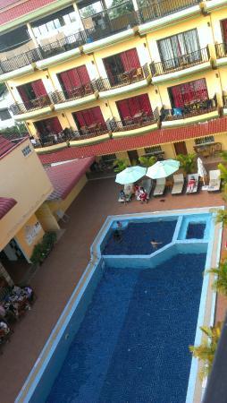 Grand Sihanoukville Hotel: Big pool