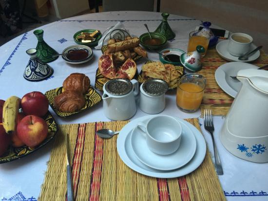 Riad Ain Marrakech : Breakfast