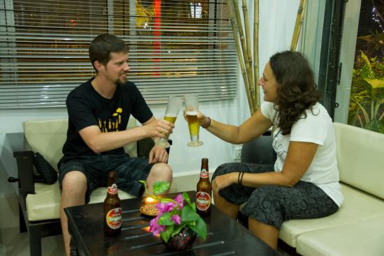 Angkor Empire Boutique Hotel: drinking time