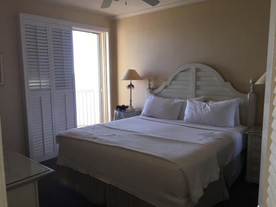 Beautiful Master Bedroom With King Size Bed Overlooking Gulf Of