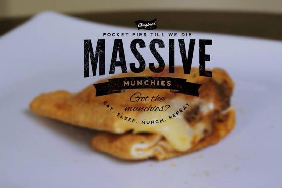 ‪Massive Munchies‬