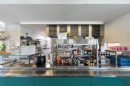 Erstfeld, Suisse : Selbstbedienungsrestaurant