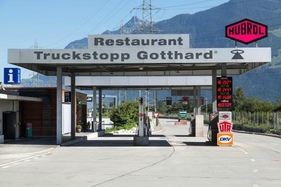 Erstfeld, Suisse : Diesel und AdBlue Tankstelle