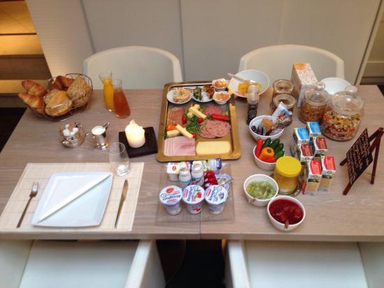 Gourmet-Hotel Zur Post: Mein Frühstück, alles !!!  nur für mich, und die Rühreier kommen noch ...  ��