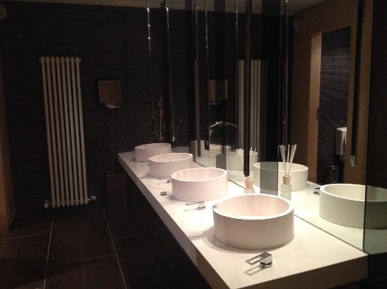bagno pubblico - Picture of AC Hotel Firenze, Florence - TripAdvisor