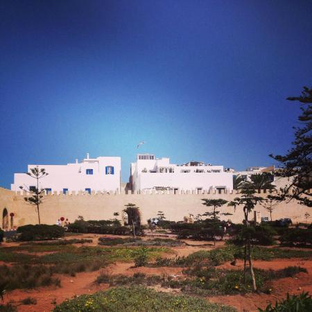 Dar 91 : Outside the medina