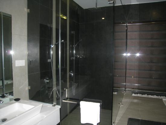 nice barth room at dulux room picture of citrus waskaduwa rh tripadvisor co za