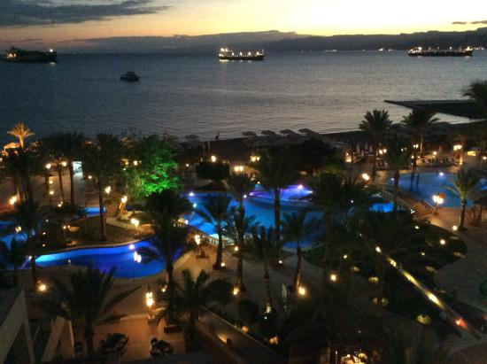 InterContinental Aqaba Resort: View from my room and red sea at night