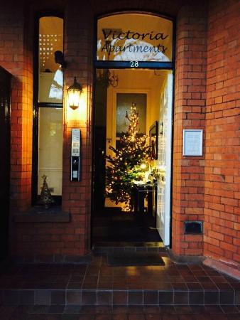 Victoria Apartments: Entrance Lobby