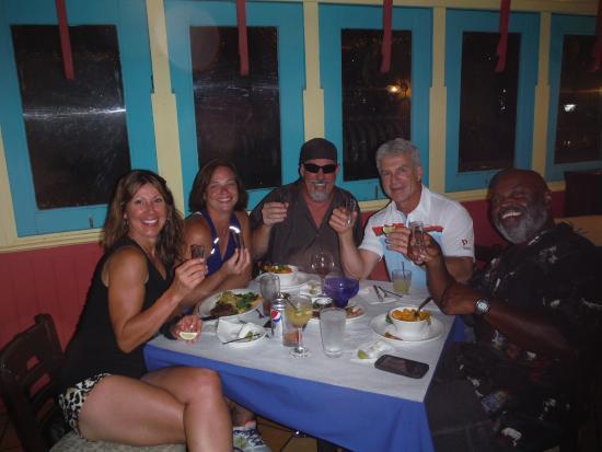 Cafe de la Plaza: A party with our new friends