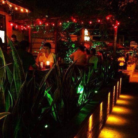 Porthos steakhouse pub barranquilla fotos n mero de for Restaurante la sangilena barranquilla telefono