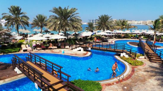 Panoramica piscine picture of the westin dubai mina for Marinal piscine