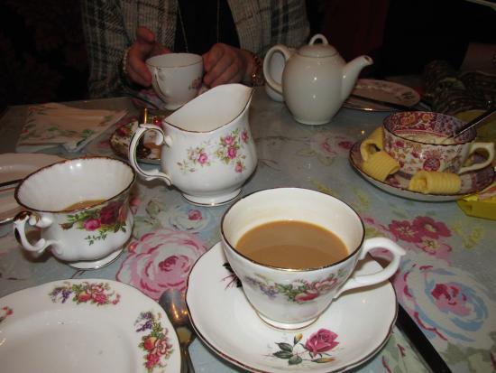 Gluttons For Nourishment: The cutest tea sets
