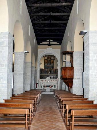 Calvello, Italy: CHIESA SANTA MARIA DE PLANO (interno navata centrale)