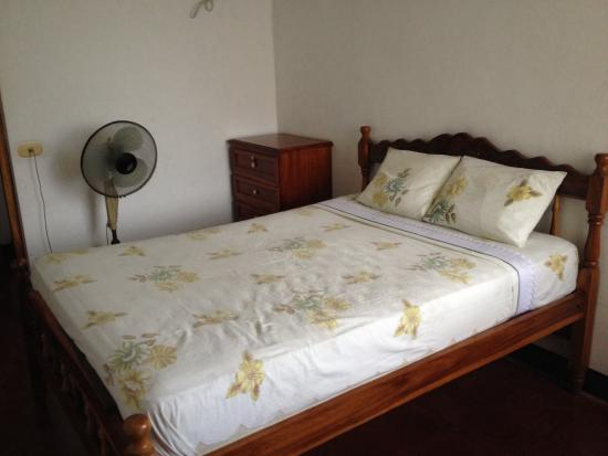 Hotel El Puerto: Bedroom- double bed