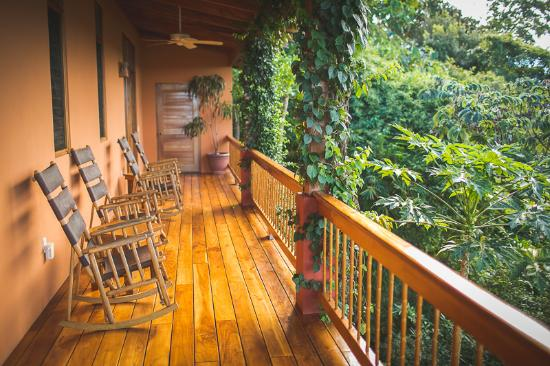 Costa Rica Yoga Spa: Shared balcony outside our private room