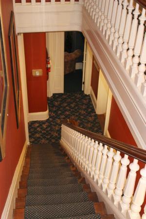 Symphony Hotel: hallway downstairs