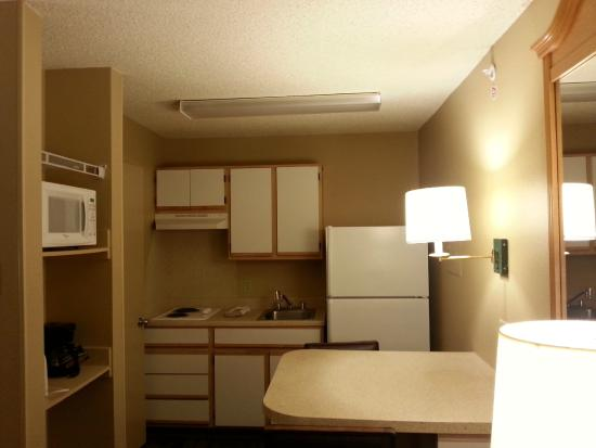 Extended Stay America - Houston - Willowbrook : This is how the room looked when I first entered