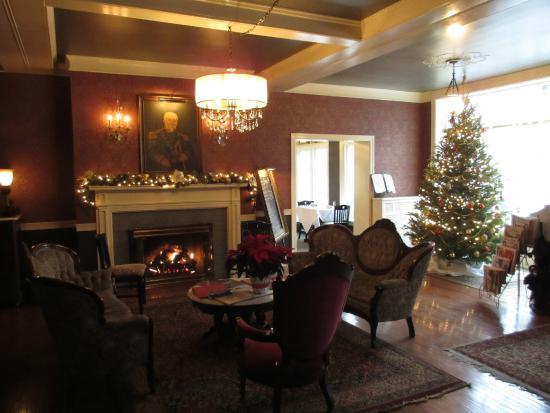 General Sutter Inn: Lobby