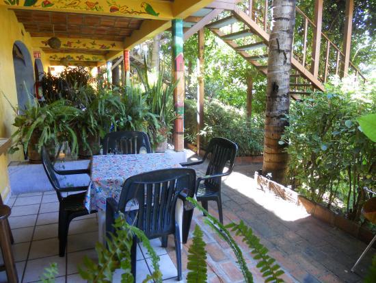 Las Cabanas del Capitan: Table in Kitchen Area
