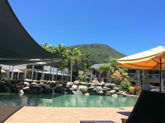 Hotel Grand Chancellor Palm Cove: Great Pool!