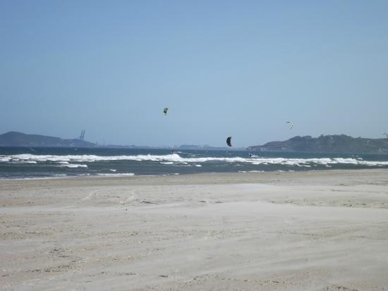 Barra de Ibiraquera Beach: Kitesurf