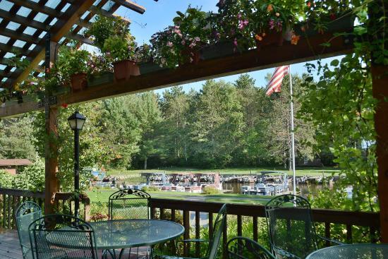 Treeland Resort : Treeland Harborview Restaurant