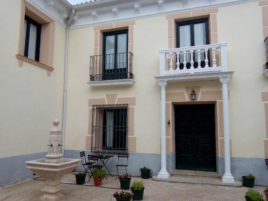 Apartamentos Turisticos Puerta del Agua