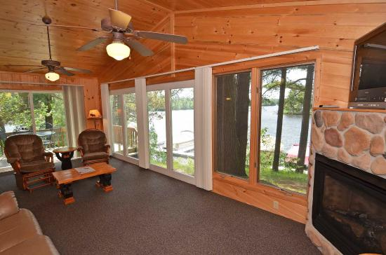 Treeland Resorts: Cabin #5 Living Area & View