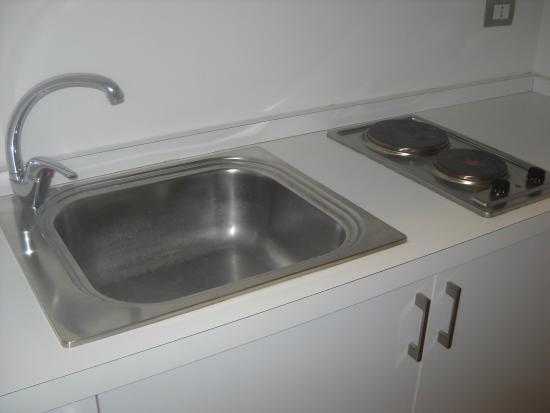 Aurora Hotel : Pequeña cocina