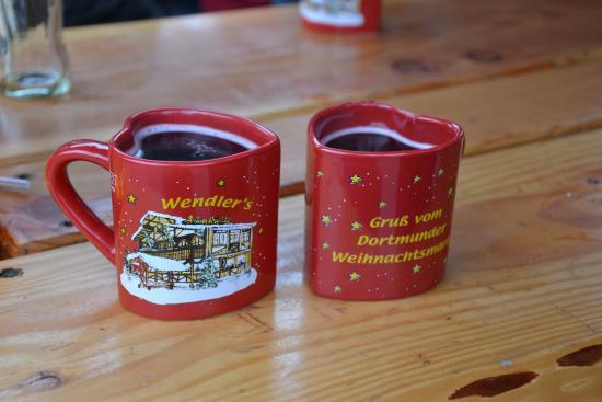 Hotel Koenigshof: Christmass market gluhwein