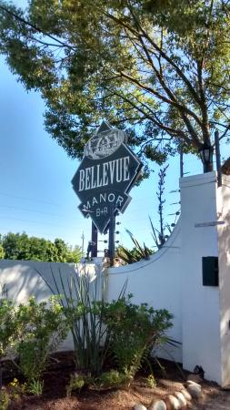 Bellevue Manor Guesthouse : True country charm