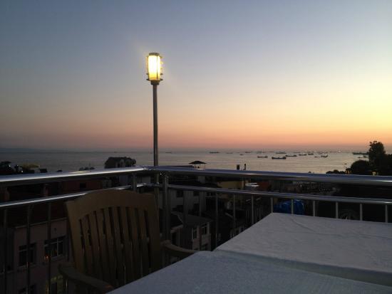 The Sunrise Hotel : Otel & Açık Alanlar