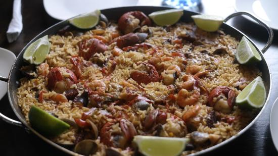 Cafe Mediterraneo: The famous paella. Salivating just thinking about it