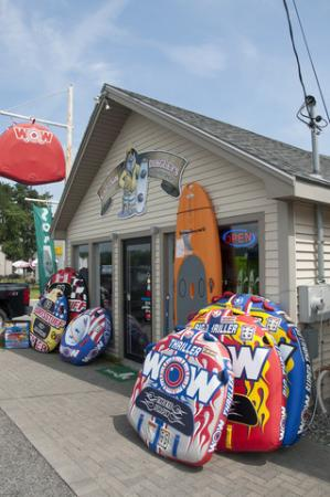 Naples, ME: Captain Dingley's Board Shop. Lessons, Rentals, Retail.