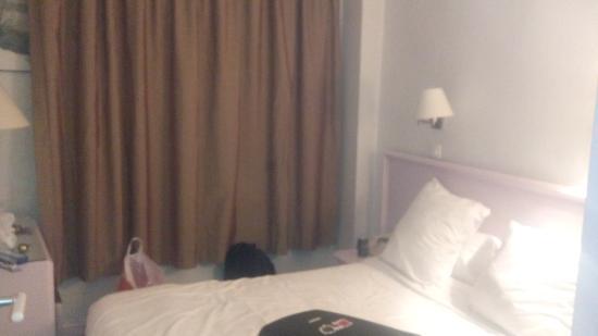 Hotel Berlioz : Chambre 2