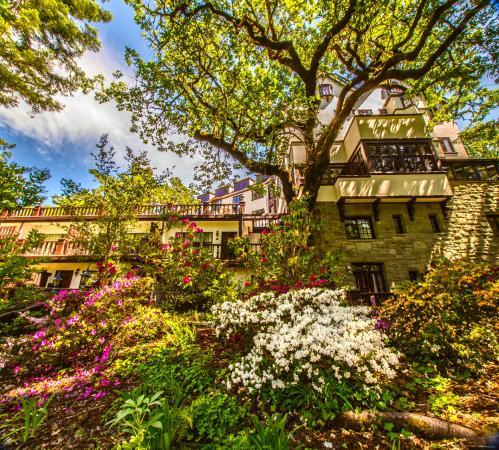 Benbow Historic Inn: Spring In Benbow